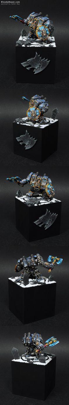 Space Wolves Venerabe Dreadnought on Plinth