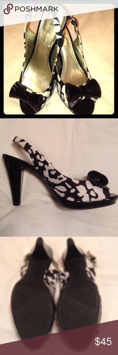 Anne Klein peep toe slings blk & wht 8 1/2 iflex slingback peep toe so Darling on! 4 inch heel half an inch platform size 8 1/2 worn once and I can no longer wear heels there is a touch of residue on the left sole as pictured 👠 Anne Klein Shoes Platforms