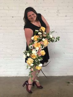 Get ready for summer style with classes by Intrigue Teaches, and turn your DIY wedding into real luxury! Denver, Diy Wedding, Floral Wreath, Tours, Wreaths, Teaching, Luxury, Summer, Style