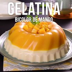 This jelly is an excellent choice as a dessert if you want something fresh and delicious. Its mango, orange flavor makes the perfect combination with yogurt and cream cheese; creating a unique dessert. Gelatin Recipes, Jello Recipes, Mexican Food Recipes, Sweet Recipes, Dessert Recipes, Jelly Desserts, Delicious Desserts, Yummy Food, Sweet Tooth