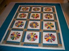 love this colorful Dresden Plate quilt
