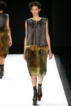 Vera Wang Fall 2016 Ready-to-Wear Collection Photos - Vogue
