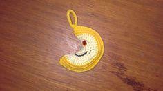 Luna Amigurumi - Patrón Gratis en Español aquí: http://crocheteandoconimaginacion.blogspot.com.ar/2014/02/movil-para-bebe-parte-1-arcoiris-y-luna.html