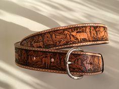 Ceinture en cuir repoussé artisanal motif: chasse et faune : Ceinture par lakota-cuir