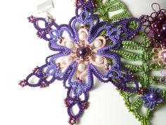 Ожерелья фриволите Jennifer Kohr (SnappyTatter) Lace Necklace, Lacemaking, Fiber Art, Snowflakes, Tatting, Needlework, Christmas Wreaths, Holiday Decor, Crochet