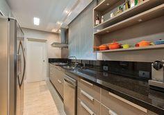 20 cozinhas modernas com bancadas pretas! - Jeito de Casa - Blog de Decoração