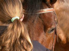 therapeutisches reiten vertrauen aufbauen verstehen pferdchen hoffnung band