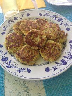 Biscuits, Pancakes, Breakfast, Ethnic Recipes, Food, Gluten Free Chicken, Lemon Chicken, Cooking Recipes, Crack Crackers