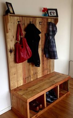 Pallet Wood Hall Tree | 99 Pallets