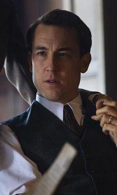 Frank Randall (Tobias Menzies)