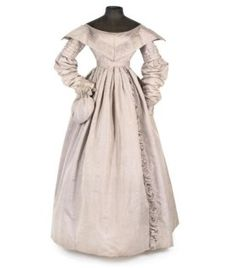 A DOVE GREY MOIRE DAY DRESS WITH WIDE PELERINE COLLAR, 1830S