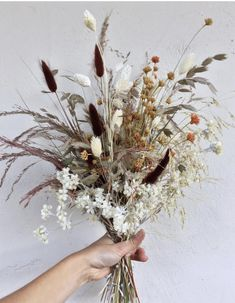 Dried flower and grass bouquet inspiration in autumn hues. beautiful bouquet with dried grasses Dried Flower Bouquet, Dried Flowers, Fall Flowers, Cut Flowers, Floral Wedding, Wedding Flowers, Wildflowers Wedding, Wildflower Wedding Bouquets, Wedding Boquette