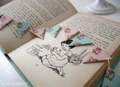 Beautiful miniature bunting - too cute!