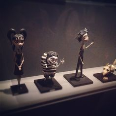 #frankenweenie #burtonexpo #timburton #burtonuniverse #instaweird - @gaelle_oopa- #webstagram Tim Burton, Weird, Sculptures, Outlander, Sculpting, Sculpture, Statue, Marbles