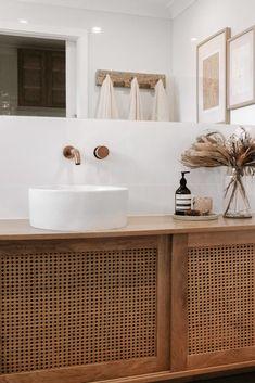 Bathroom Inspo, Bathroom Inspiration, Interior Design Inspiration, Bathroom Ideas, California Bungalow, Living Etc, Vanity Design, Beach Bathrooms, Wood Counter