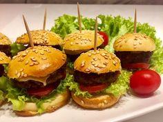 Koreczki, przekąski i przystawki. Imprezowe hity! - Blog z apetytem Mini Hamburgers, Mini Foods, I Party, Caramel Apples, Kids Meals, Grilling, Food And Drink, Menu, Chicken