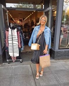 Spent the evening with @peridotboutique in Seattle!! Oh my goodness you guys.. I found the most amazing pieces I can't wait to share with you!!!! That bag I'm holding is full of GOLD. Stay tuned  . . . . . #bresheppard #seattlefashionblogger #bloggerstyle #streetstyle #styleoftheday #outfitpost #stylefile #outfitpost #fashionaddict #fashionblogger #inspiration #flashesofdelight #stylish #fashioninspiration #fashioninspo #love #inspiration #blonde #fashiongram #fashionblog #ootd #love #follow…