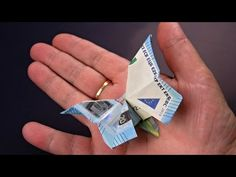 Geldscheine falten Schmetterling - Geldgeschenke basteln. Origami Tiere mit Geld falten zur Hochzeit - YouTube