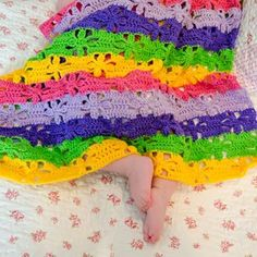Crochet For Children: Spring Flowers Blanket - FREE Crochet Pattern .....adorable, love the stitch, probably do different colors though ...