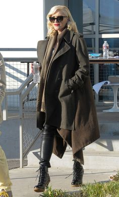 35d9404a5eb86 Gwen Stefani Makes Us Want a Military-Chic Coat for Winter