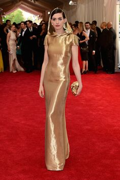 Anne Hathaway - Baile do Met 2015