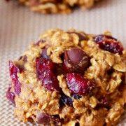 http://sallysbakingaddiction.com/2012/10/24/healthy-pumpkin-chocolate-chip-oatmeal-cookies/