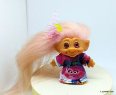 "Dreamworks Poppy Dress Ensemble for C-64 and Other 2-1/2"" Troll Doll by LucretiasLair on Etsy"