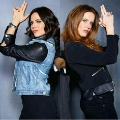 Awesome Lana and Rebecca (Bex) (Regina and Zelena) #HeroesandVillainsFanFest San Jose Ca Sunday 11-22-15