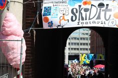 Lähiömutsi: Skidit Festarit