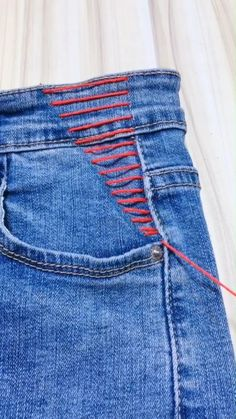 DIY Jeans Decoration fashion videos no sew DIY Jeans Decoration Sewing Hacks, Sewing Tutorials, Sewing Projects, Sewing Tips, Mode Outfits, Fashion Outfits, Fashion Tips, Diy Fashion Videos, Kids Fashion
