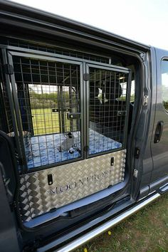 Motor Vehicle Accessories VE Sportswagon Dog Cage