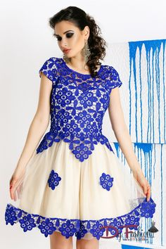 Rochie eleganta de banchet cu broderie albastra cu fusta in clos din tul - Dy Fashion