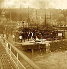 Rothesay Pier porters (no date).