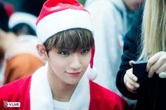 Santa Joshua from Seventeen Jisoo Seventeen, Joshua Seventeen, Hip Hop, Astro Sanha, Day6 Sungjin, Kim Min Gyu, Hong Jisoo, Won Woo, Seventeen Scoups