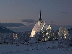 Panoramio - Photo of Ulnes kyrkje