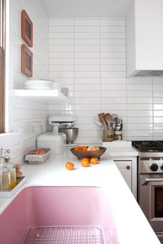 Mandi Johnson's kitchen renovation reveal l pink sink!