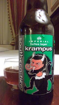 Cerveja Souther Tier Krampus Imperial Helles Lager, estilo Doppelbock, produzida por Southerntier Brewing, Estados Unidos. 9% ABV de álcool.