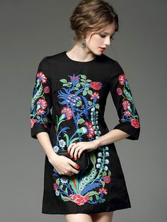 Black Round Neck Length Sleeve Embroidered Pockets Dress