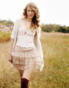 that country girl again ...Taylor Swift