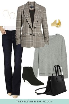 Looking for tips on how to wear a plaid blazer? Today we'll show you how to pair a plaid blazer with jeans for the perfect office outfit. Business Professional Outfits, Business Outfits, Professional Women, Business Attire, Business Fashion, Blazer Outfits, Chic Outfits, Fashionable Outfits, Dressy Outfits