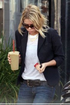 Olsen - Tshirt, blazer, belted jeans