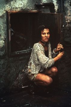 Mathilda (Natalie Portman)