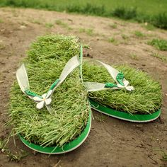 Green Grass Flip Flops at Firebox.com    This would actually feel pretty cool!