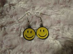 There was also that smiley face period when we were all vaguely obsessed with hippies. 34 Pieces Of Super Jewelry 90s Jewelry, Funky Jewelry, Cute Jewelry, Jewellery, 90s Childhood, Childhood Memories, Ancient Egyptian Art, Ancient Aliens, Ancient Greece