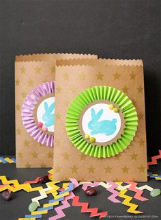 DIY: Bunny-Stamped Goodie Bags for Easter (Would think you could substitute brown paper bags if you can't locate the kraft paper. Craft Stick Crafts, Craft Gifts, Diy Crafts, Easter Arts And Crafts, Spring Crafts, Paper Gifts, Diy Paper, Paper Bags, Kraft Paper