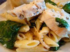 Garlic Chicken Pasta with Spinich