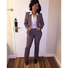 Corporate attire for Women Business Professional Outfits, Business Casual Attire, Professional Dresses, Business Outfits, Corporate Attire Women, Work Fashion, Fashion Outfits, Look Formal, Classy Work Outfits