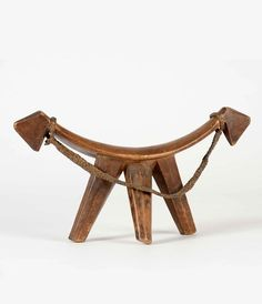 | Headrest from the Dinka people of South Sudan | Wood . Africa