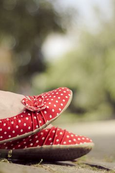 red and white polka dot shoes = love