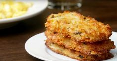 Cheesy Baked Hash Brown Patties Serves: 9 INGREDIENTS 4 red potatoes ½ cup butter, melted 1 cup cheddar cheese, shredded 2 eggs, whisked ¼ cup chives, chopped 1 tablespoon garlic salt 1 teaspoon or… Cheesy Hashbrown Bake, Cheesy Hashbrowns, Breakfast Dishes, Breakfast Recipes, Homemade Breakfast, Breakfast Casserole, Hash Brown Patties, Potatoe Casserole Recipes, Potato Cakes